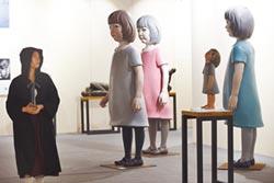兩岸藝博會爆量 在地畫廊邊緣化