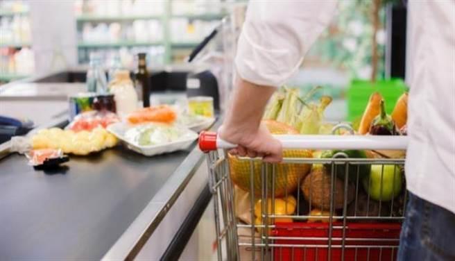 這個營養素可救命、便宜易得,卻有9成民眾吃不夠。(圖/shutterstock)