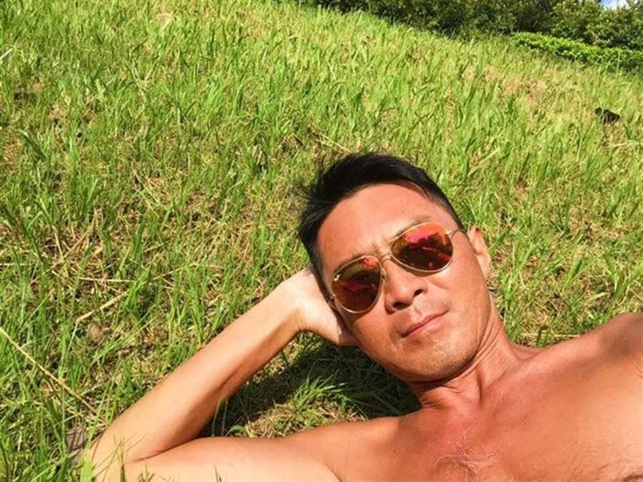 52歲男星林立洋抗癌成功,宣告自己再陷愛河。(圖/翻攝自林立洋臉書)