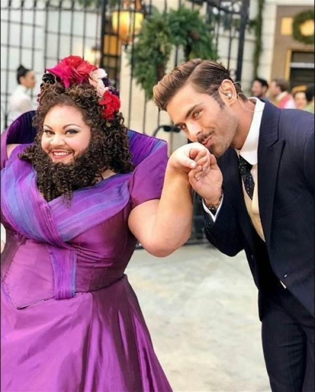 《大娛樂家》裡的美聲大鬍子女(圖片取自/tumblr.com)