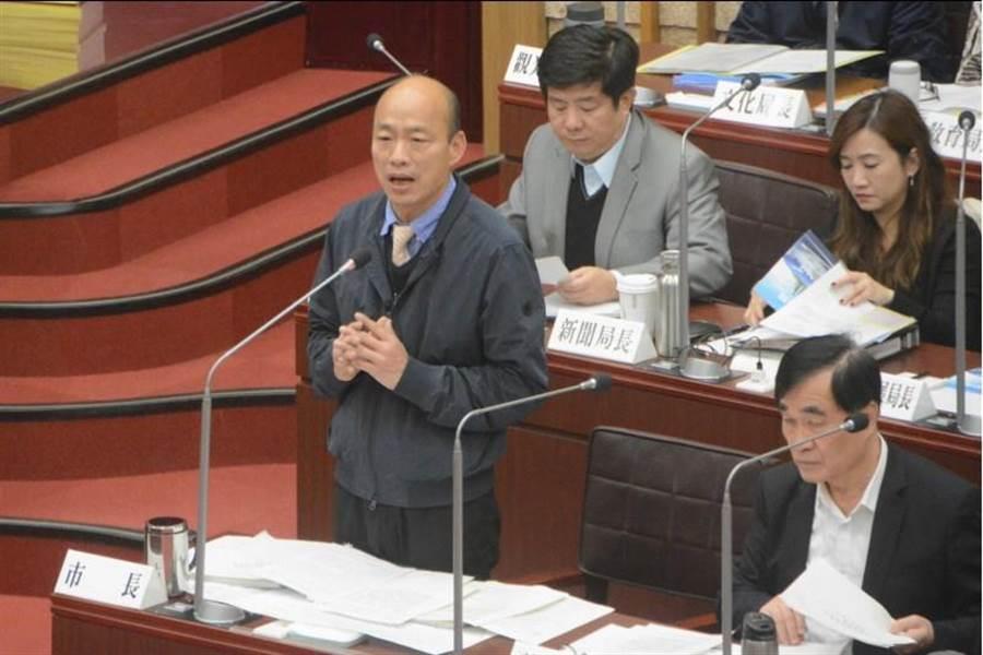 高雄市長韓國瑜17日首度到議會備詢。(林宏聰攝)