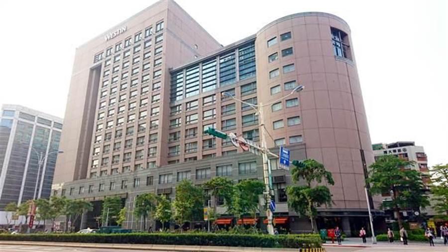 台北西南商圈屹立20年的地標威斯汀六福皇宮,因租約到期於去年底正式熄燈歇業。(中時資料照)