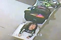 1歲多女童綁椅上 哭到虛脫