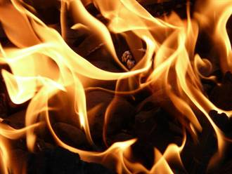屋內燒材取暖 卻讓一家3口一氧化碳中毒亡
