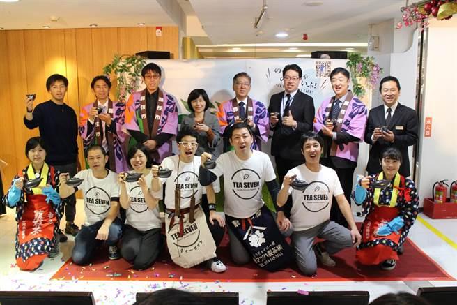 日本靜岡縣藤枝市物產展在台南大遠百開幕。(大遠百提供)