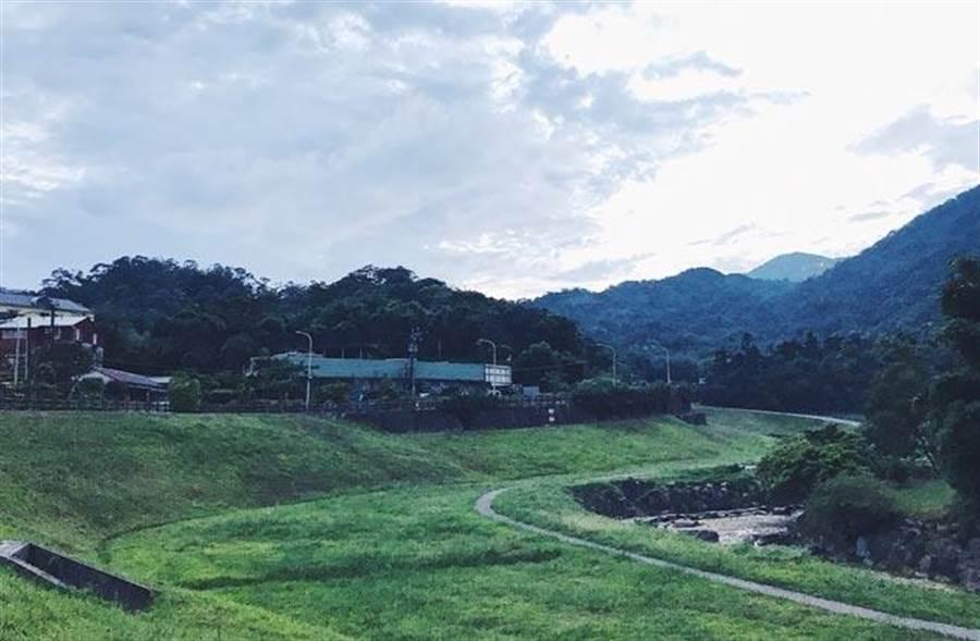 出自Taylor愛排名Blog,台北市內湖區的大溝溪親水步道一景。(綠田相片)