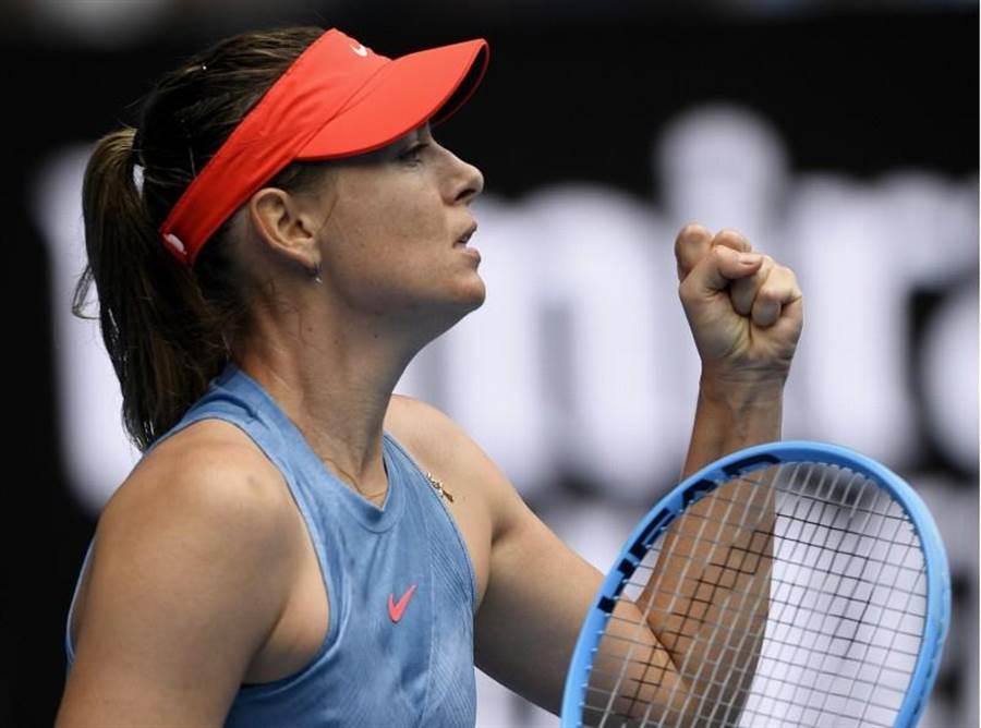 莎拉波娃在澳網32強戰打敗沃茲妮亞奇。(美聯社)