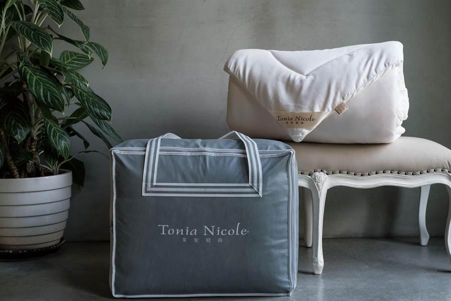 東妮寢飾三品牌ESK除臭發熱被原價8560元,特價2980元。(東妮寢飾提供)