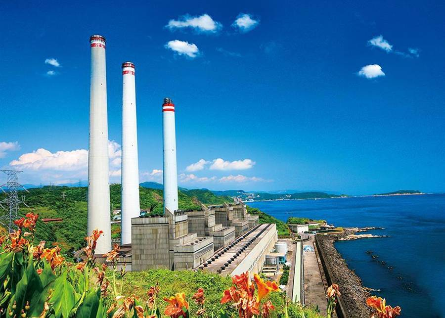 協和電廠將從燃「重油」改為燃「天然氣」。(台電提供)