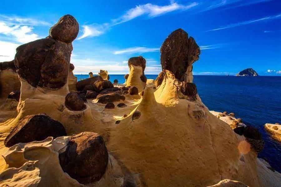 「和平島公園」奇岩大千世界。(北觀處提供)