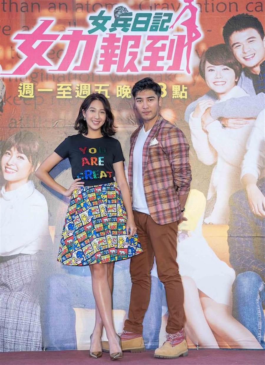 楊晴(左)和羅平。(TVBS提供)