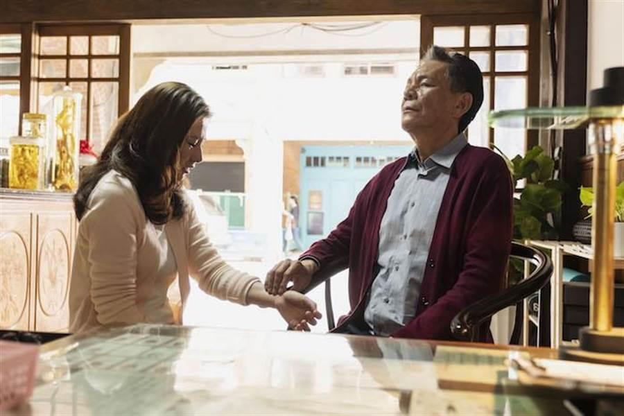 龍劭華與陳怡蓉飾演父女。(公視提供)