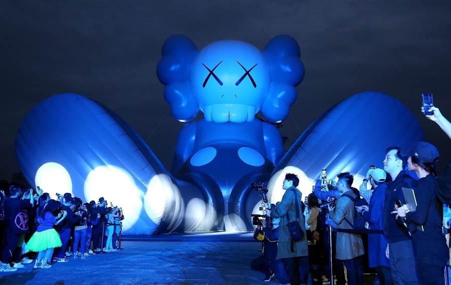 中正紀念堂舉辦的大型戶外藝術展。(粘耿豪攝)
