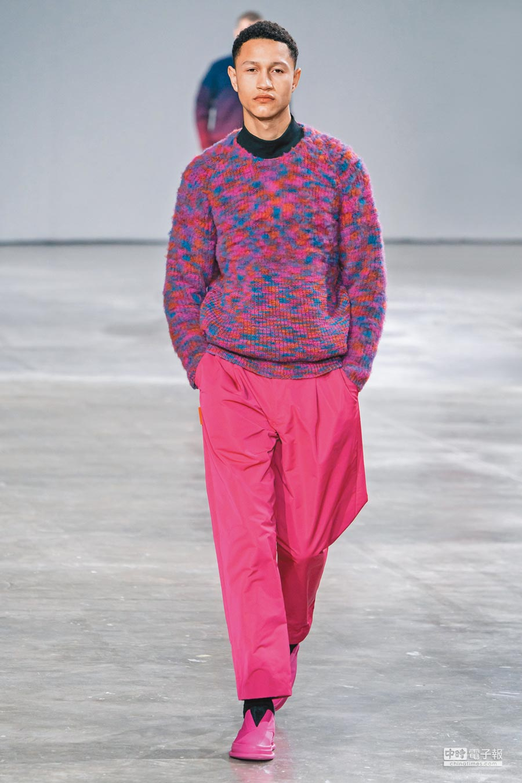 明亮的色彩中,設計師高橋悠介透過層層日式工藝與技術的相互結合,賦予當代男人於自在中體驗對大地環境的反思。(ISSEY MIYAKE MEN提供)