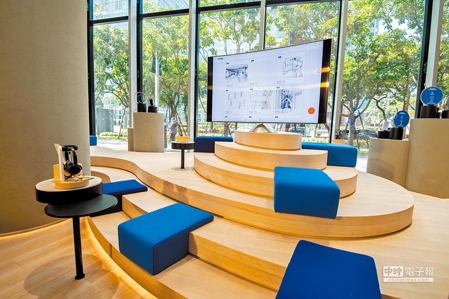 三星微風南山旗艦體驗館打造出集合產品體驗、客製化服務、消費者課程、售後服務一站到位的新型態門市。(三星提供)