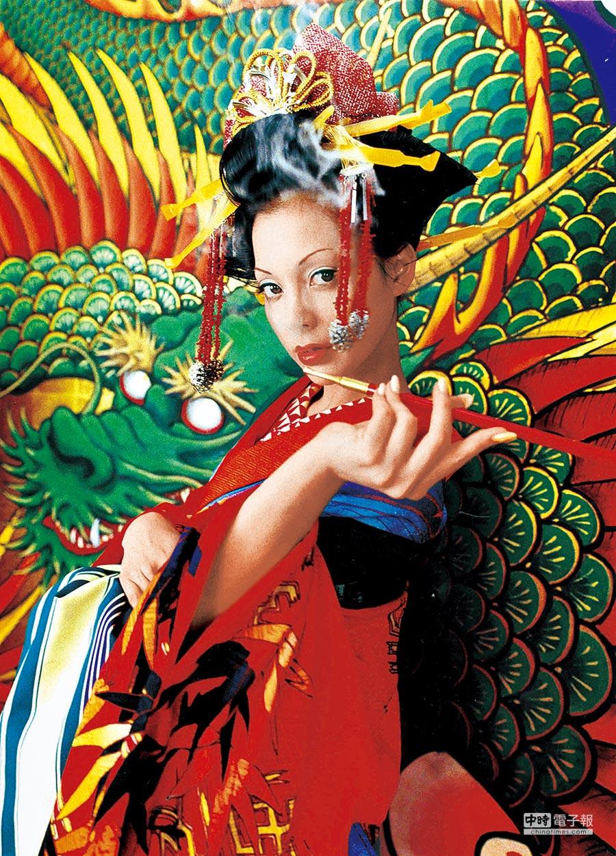 蜷川實花2006年作品《Sakuran-06-22》,103.0×137.5cm。圖片提供各品牌