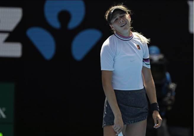 安妮絲莫娃在澳網女單16強失利。(美聯社)