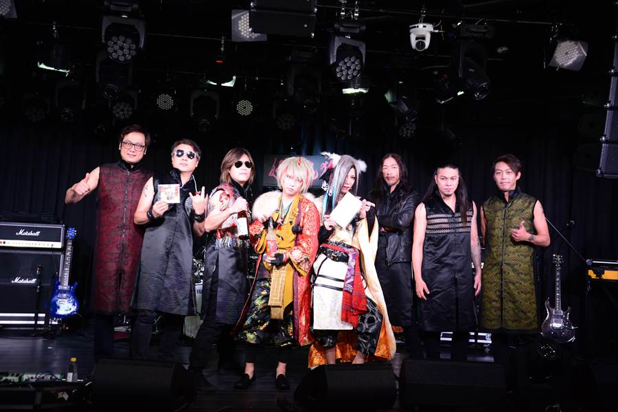 董事長樂團與「妖之鬼狐」合作,發行台、日語合唱的新版《眾神護台灣》。(獨一無二娛樂提供)