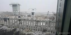 影》玉山終於下雪了!「初雪遲到」紀錄再往後延4天