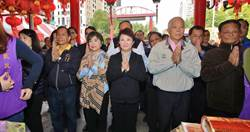 盧秀燕參拜惠來里土地公 承諾拚經濟 讓人民過好日子
