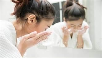 網傳「素顏霜」免卸妝?誤會大了 小心臉爛掉