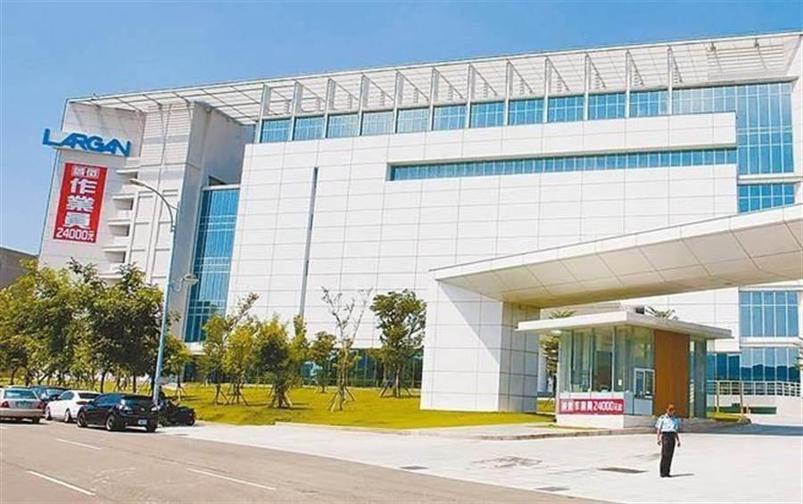 台灣光學產業龍頭大立光打入三星供應鏈。(資料照)