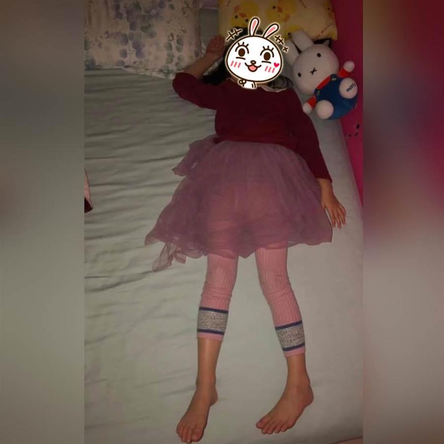 女兒每晚堅持穿蓬蓬裙入睡!一句話讓爸媽屈服了(圖/翻攝自《爆怨公社》)