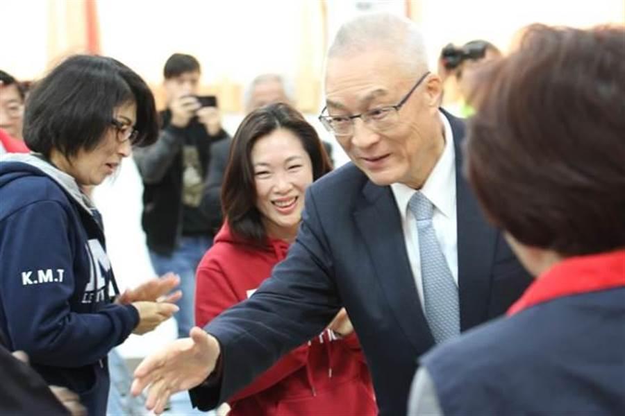 吳敦義到台東參加5合1選舉主席感恩茶會。(楊漢聲攝)