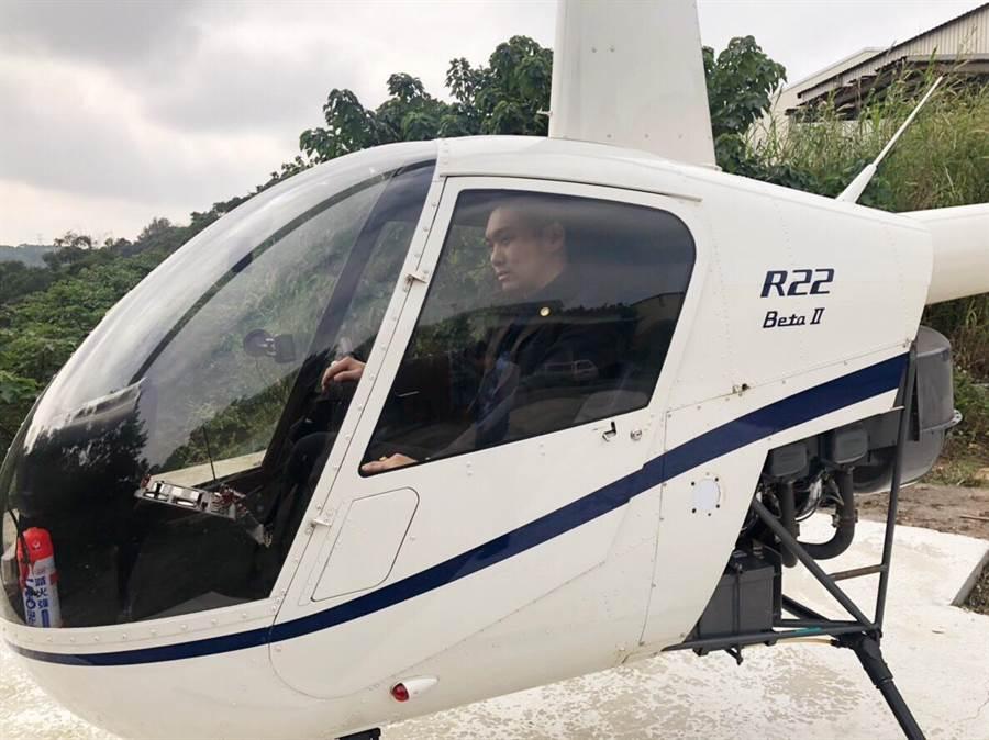 直播天王連千毅曾在臉書霸氣直播賣直升機。(柯宗緯翻攝)