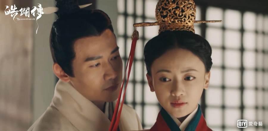 聶遠在《皓鑭傳》飾演呂不韋,試探性對李皓鑭告白。(愛奇藝台灣站)