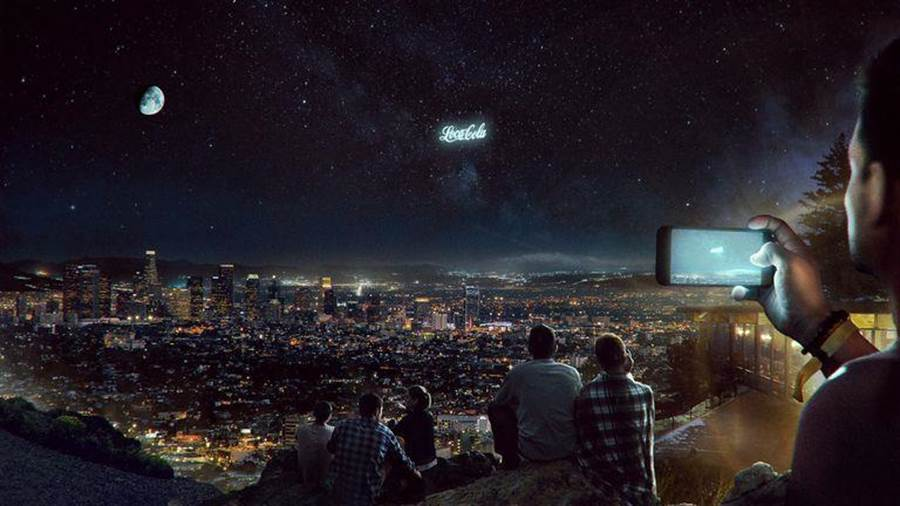 夜空可能會出現廣告,不只有月亮,還有可口可樂。(圖/STARTROCKET)