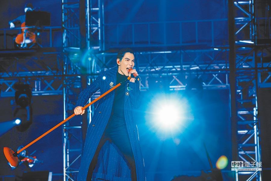 老蕭昨歷經驚險事件,演唱心情未受影響。