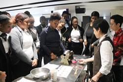 受訓300個小時  加勒比海友邦青年展餐飲成果