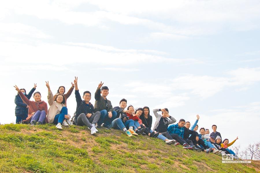 第十期兩岸大學生文化體驗營,青年學子參訪金門。(北京師範大學人宗院提供)