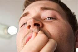 鼻毛太長怎辦 醫師:大多數人都做錯!