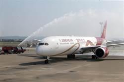 吉祥航空波音787首航桃機 投入兩岸航運搶客