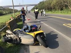 重機騎士雙黃線違規迴轉 害後車父子慘摔1命危1傷