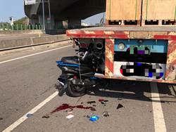 拖板車違停吃便當 男學生騎車撞後車斗身亡