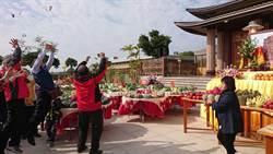 擲筊測國運 九龍三清殿祭天:明年景氣不好