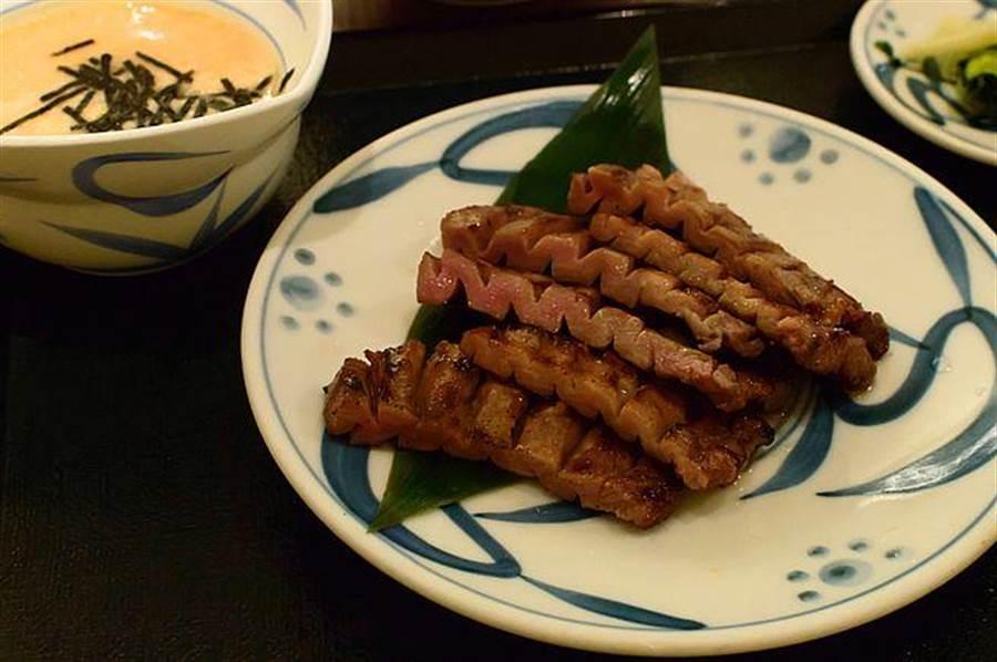 日本仙台美食「牛舌」。(達志影像/shutterstock提供)