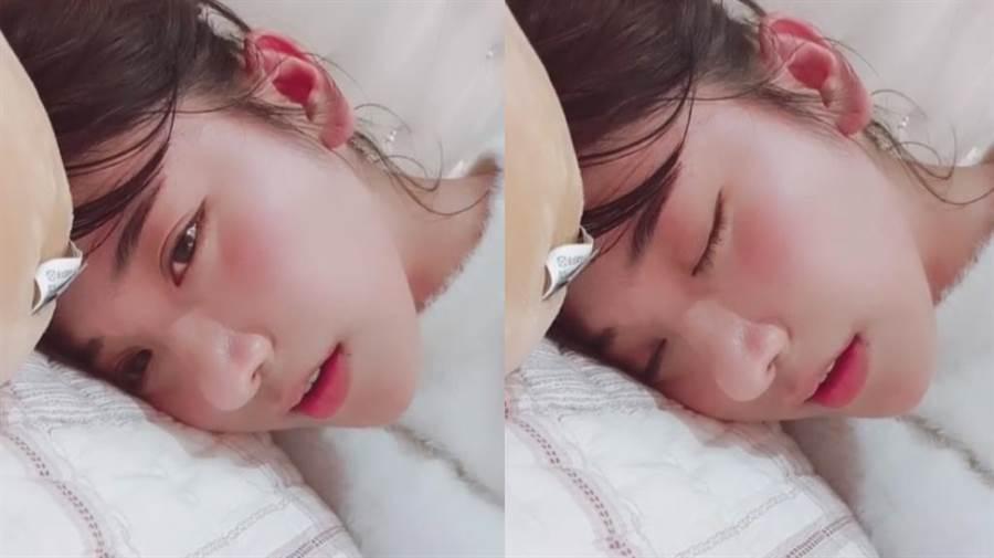 一秒戀愛!企鵝妹喝茫躺床 撒嬌奶音酥爆了(圖/翻攝自IG)