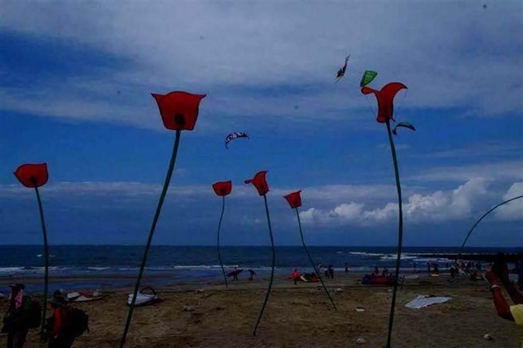 每年九月間的「石門國際風箏節」,歡迎旅人來北海岸放風箏。(圖取自新北市文化局網站)