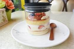 夢幻系草莓罐罐 多層次口感不甜膩