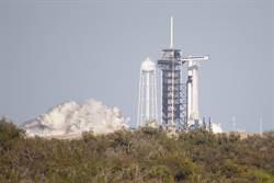 乘飛龍太空船火箭點火成功  為2月首航舖好坦途