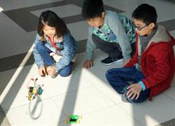 大葉大學創客科學營 小朋友變潔能大師