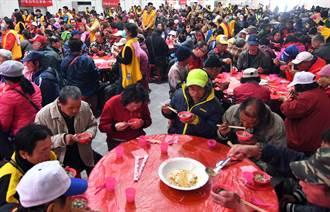 寒士尾牙宴 500多名弱勢民眾感受過年氣氛