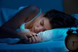 睡不夠骨折機率增25% 美研究:兩大疾病跟睡覺有關