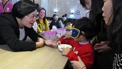 與縣長媽媽有約!彰化縣長王惠美與監護兒共進午餐