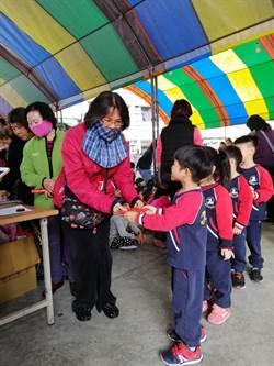 歲末送暖幼兒園孩童學習關懷