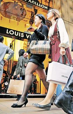 借錢過度消費 陸年輕負翁激增
